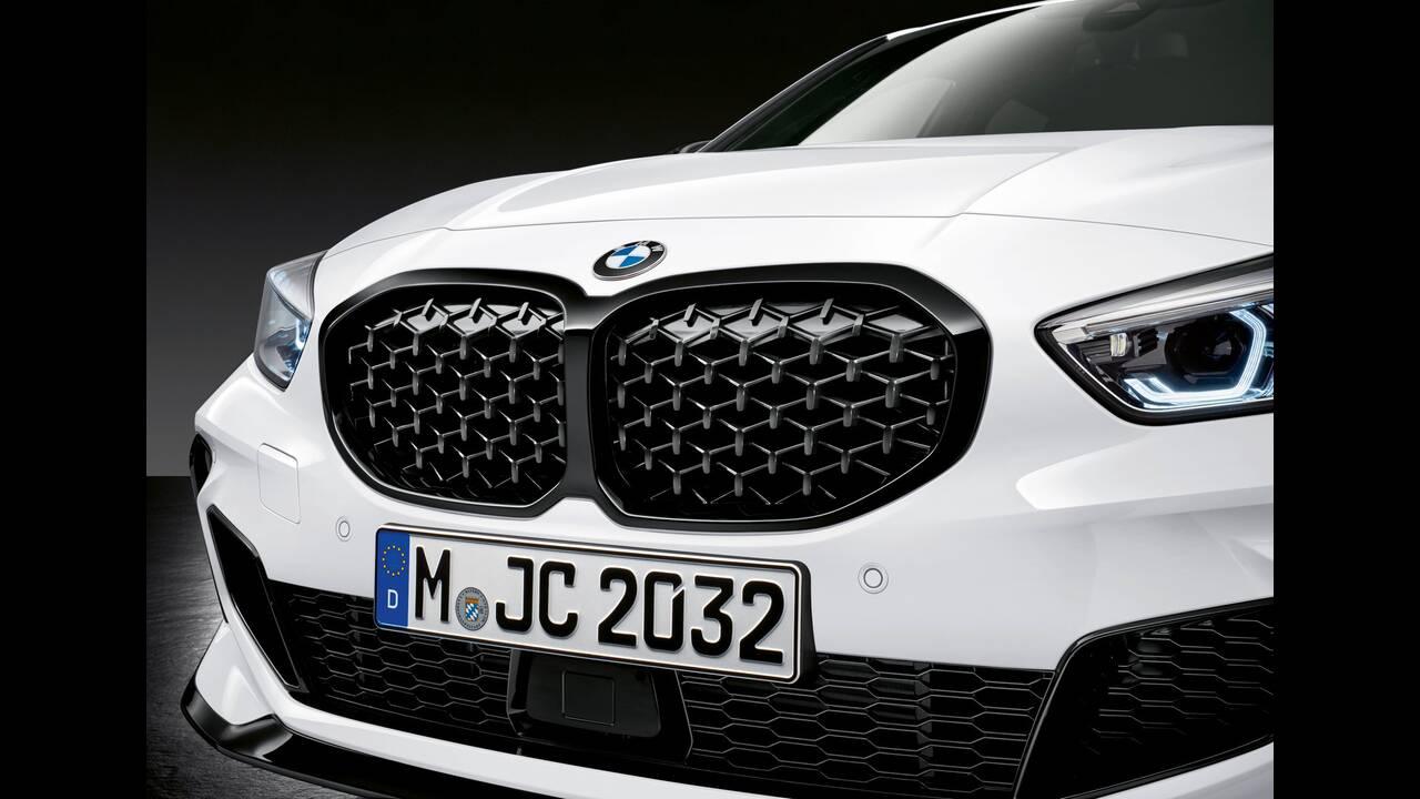 https://cdn.cnngreece.gr/media/news/2019/08/09/186997/photos/snapshot/BMW-M140E-6.jpg