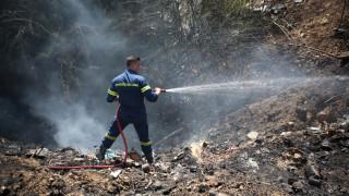 Υπό μερικό έλεγχο η φωτιά στη συμβολή των οδών Πειραιώς και Λ. Αθηνών