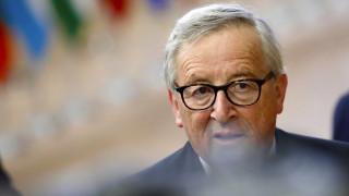 Γιούνκερ: Ένα Brexit χωρίς συμφωνία θα πονέσει τη Βρετανία