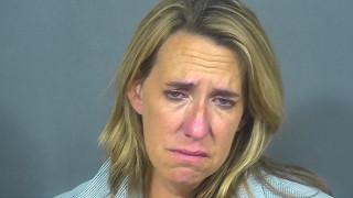 ΗΠΑ: Συνελήφθη και απολύθηκε μεθυσμένη αεροσυνοδός