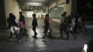 Νέο μέτρο των ΗΠΑ βάζει μπλόκο στη χορήγηση βίζας σε φτωχούς μετανάστες