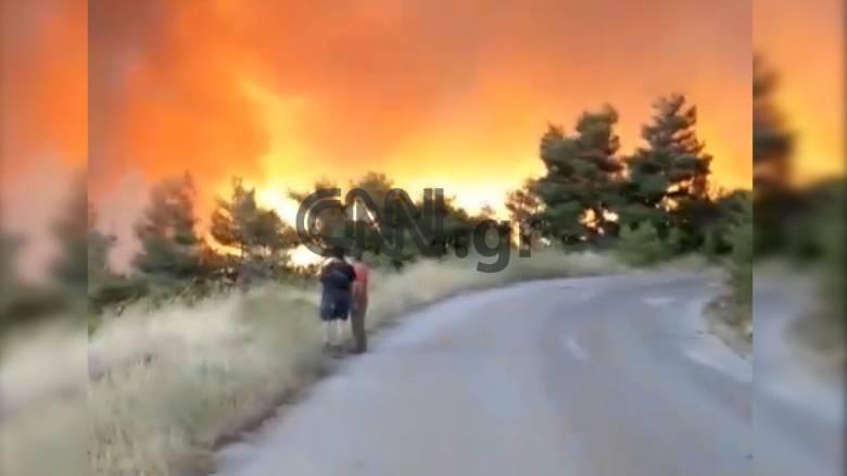 Φωτιά Εύβοια: Σε κατάσταση συναγερμού τρία χωριά