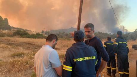 Φωτιά στην Εύβοια - Μπακογιάννης: Πάμε για νύχτα μάχης ολόκληρου του μηχανισμού