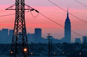 2003, Νέα Υόρκη. Η σκοτεινή Νέα Υόρκη, λίγο πριν τη δύση του ηλίου, την ημέρα του μεγάλου black out.