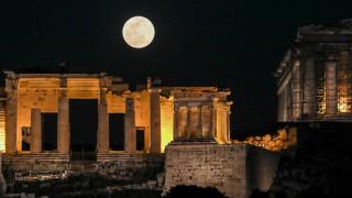 Πανσέληνος Δεκαπενταύγουστου: Ανοιχτοί αρχαιολογικοί χώροι και μουσεία με ελεύθερη είσοδο