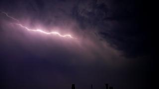 Καιρός: Βροχές, καταιγίδες, χαλαζοπτώσεις και ισχυροί άνεμοι σήμερα