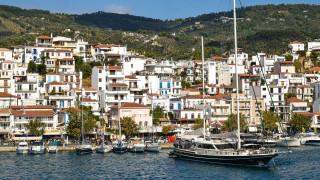 Σκιάθος: Αποκαθίσταται σταδιακά η ηλεκτροδότηση στο νησί