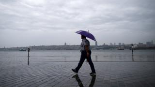 Κωνσταντινούπολη: Ισχυρή βροχόπτωση με έναν νεκρό