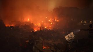 Ασύλληπτη καταστροφή σε παραγκούπολη του Μπαγκλαντές: Πυρκαγιά άφησε άστεγους 10.000 άνθρωπους