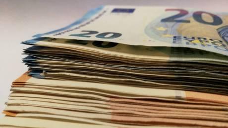 Αναδρομικά: Το θετικό σενάριο της κυβέρνησης – Ποιοι θα λάβουν έως 7.338 ευρώ