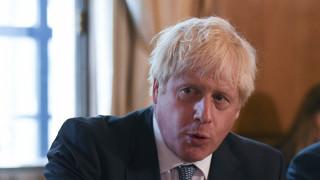 «Το Κοινοβούλιο δεν μπορεί να σταματήσει το Brexit»: Το μήνυμα Τζόνσον σε Μέρκελ-Μακρόν
