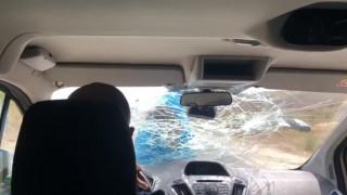 Απίστευτο βίντεο: Εστιάτορας πήρε στο κυνήγι τουρίστες και γαντζώθηκε στο αυτοκίνητό τους