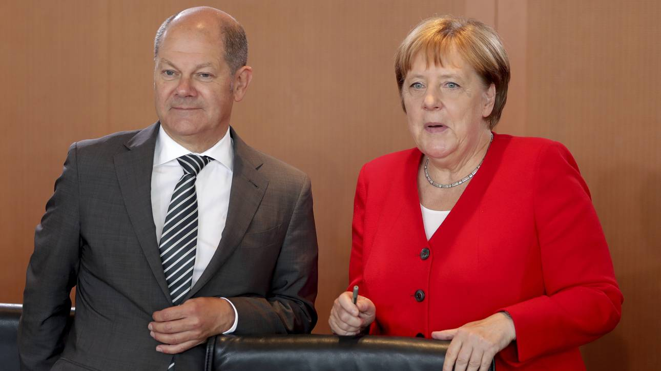 Η Bundesbank «αδειάζει» Μέρκελ και Σολτς