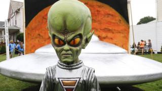 Πώς θα έβλεπαν οι εξωγήινοι τη Γη από το διάστημα;