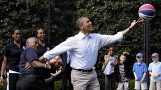 Η φανέλα του Ομπάμα από το λύκειο έφερε… 120.000 δολάρια σε δημοπρασία