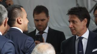 Το τέλος του κυβερνητικού συνασπισμού; Ο Ντι Μάιο ευχαριστεί τον Κόντε