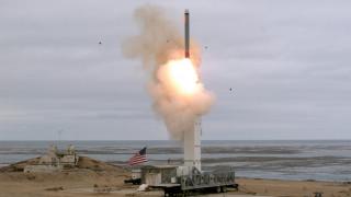 Πεκίνο: Η δοκιμή πυραύλου από τις ΗΠΑ θα αναθερμάνει την κούρσα των εξοπλισμών