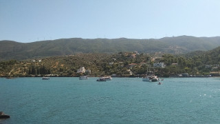 Πτώση ελικοπτέρου στον Πόρο: Μεταφέρονται γεννήτριες στο νησί για αποκατάσταση του μπλακ άουτ