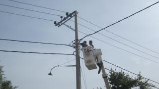 Πτώση ελικοπτέρου στον Πόρο: Αποκαταστάθηκε η ηλεκτροδότηση στο μεγαλύτερο μέρος του νησιού