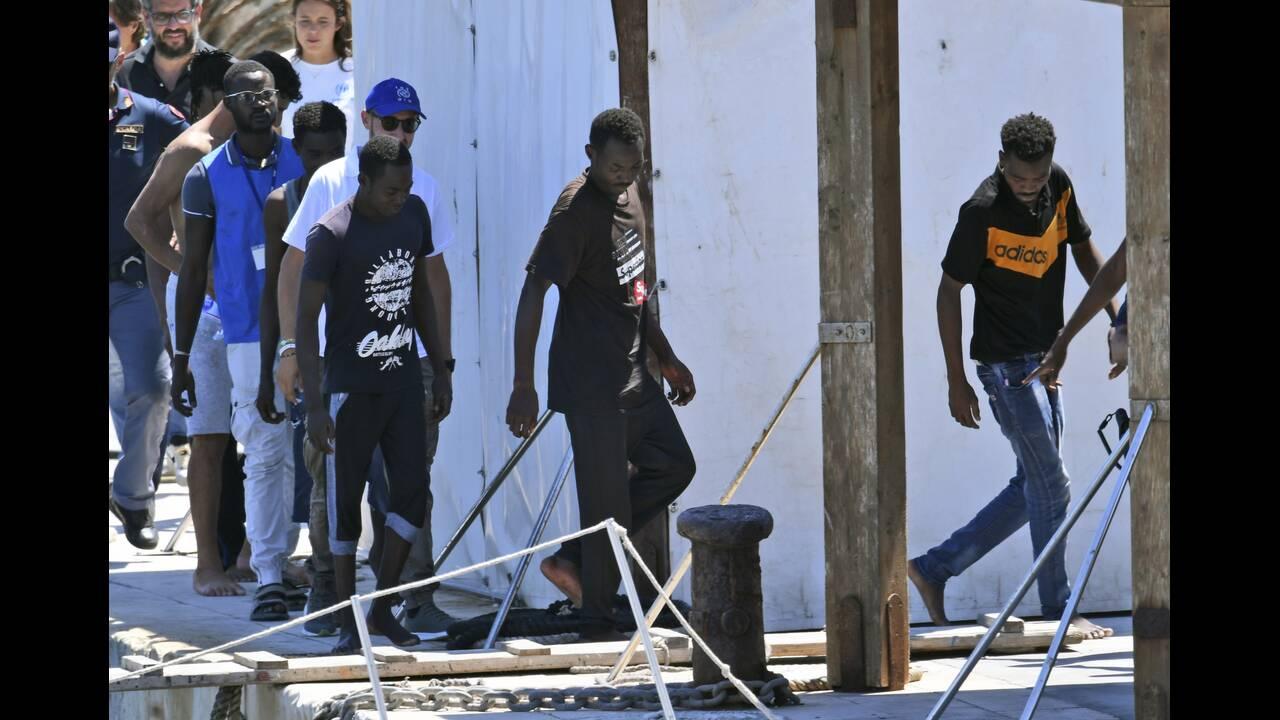 https://cdn.cnngreece.gr/media/news/2019/08/21/188176/photos/snapshot/AP_19232405735001.jpg