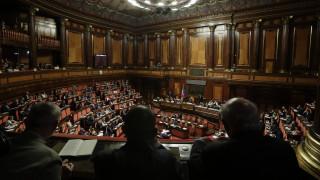 Νέος κυβερνητικός συνασπισμός ή πρόωρες εκλογές; Τι συνεπάγεται για την Ιταλία η παραίτηση Κόντε