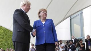 Μέρκελ: Διορία 30 ημερών στον Τζόνσον να παρουσιάσει πρόταση για το Brexit