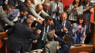 Ιταλία: Ο Τζινγκαρέτι, ο «ρυθμιστής» Ρέντσι και το όνομα του νέου πρωθυπουργού