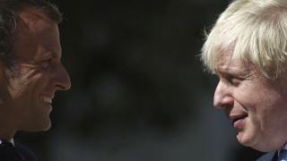 Τζόνσον προς Μακρόν: Είναι ακόμη εφικτή μια συμφωνία για το Brexit