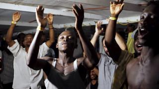 Τελειώνουν τα τρόφιμα στο πλοίο Ocean που μεταφέρει 356 μετανάστες