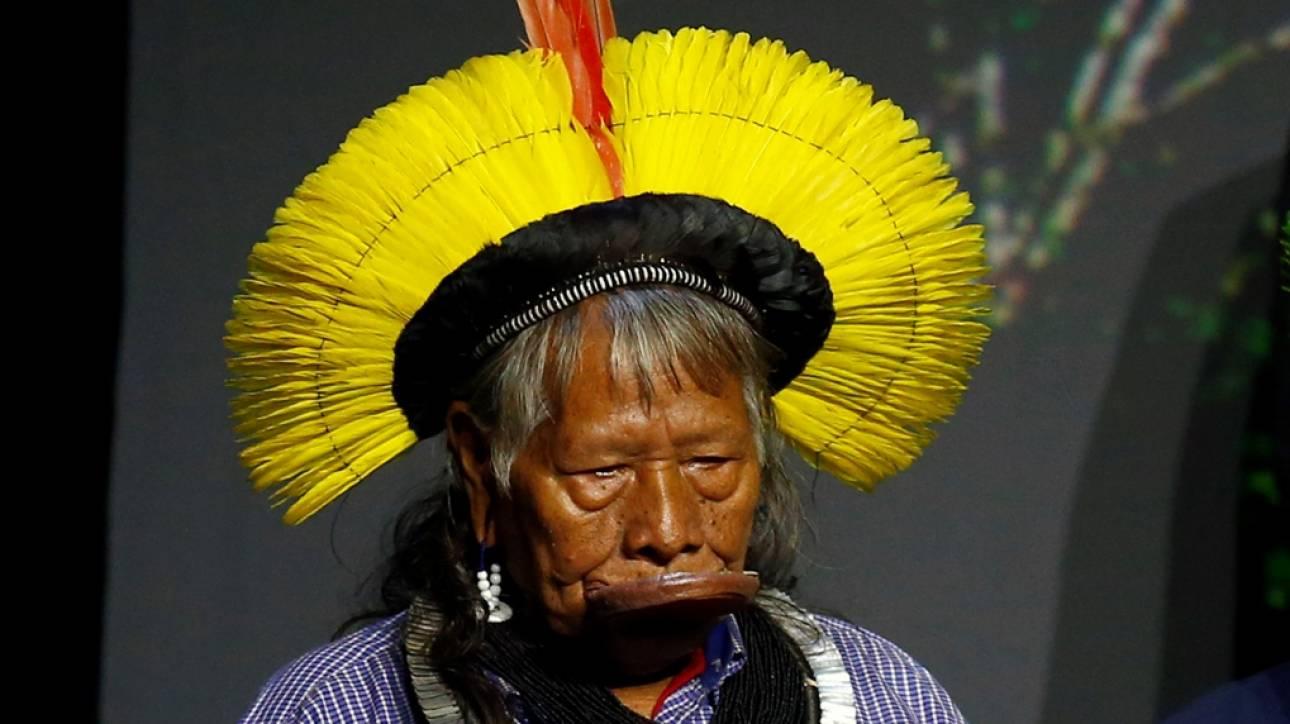 Ο ινδιάνος αρχηγός Ραόνι κατηγορεί τον Μπολσονάρου ότι θέλει να καταστρέψει τον Αμαζόνιο