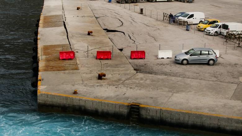 Μηχανική βλάβη στο καταμαράν «Santorini Palace» με 728 επιβάτες εν πλω