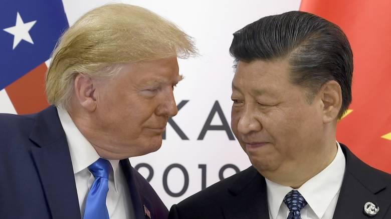 Εμπορικός πόλεμος: «Μετωπική» Τραμπ – Σι υπό την απειλή της παγκόσμιας ύφεσης