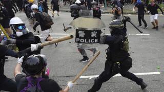 Χάος και πάλι στο Χονγκ Κονγκ: Δακρυγόνα και σφοδρές συγκρούσεις μεταξύ αστυνομίας - διαδηλωτών