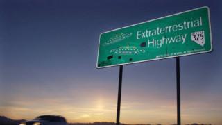 Έρχονται οι κυνηγοί εξωγήινων; Μια μικρή πόλη κοντά στην Area 51 προετοιμάζεται