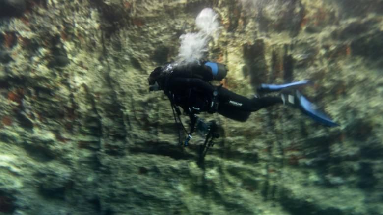 Κάρπαθος: Χωρίς τον κατάλληλο εξοπλισμό καταδύθηκαν οι δύο δύτες στη σπηλιά