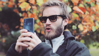 «Βασιλιάς» του YouTube: Ο PewDiePie ξεπέρασε τους 100 εκατομμύρια συνδρομητές