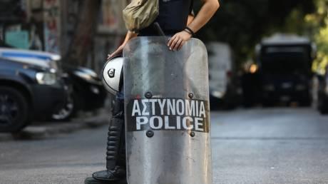 Επιχείρηση της αστυνομίας σε τέσσερα κατειλημμένα κτήρια στα Εξάρχεια