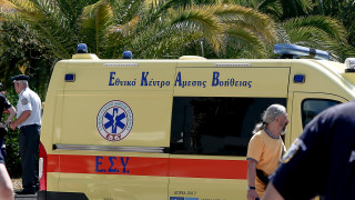 Θεσσαλονίκη: Σε κρίσιμη κατάσταση η γυναίκα που έπεσε από πολυκατοικία