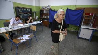Πηγές ΣΥΡΙΖΑ για εκλογικό νόμο: Να μην κρύβεται η κυβέρνηση πίσω από διαρροές