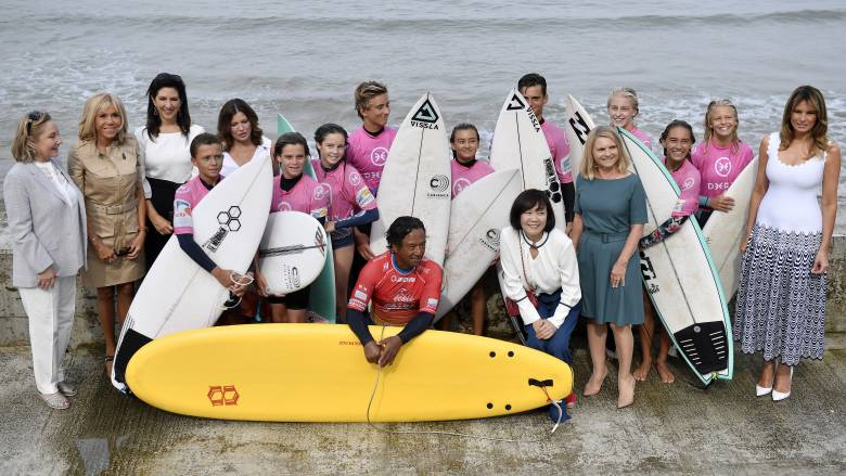 G7: Οι «πρώτες κυρίες» αφιέρωσαν τη μέρα τους στην προστασία των ωκεανών