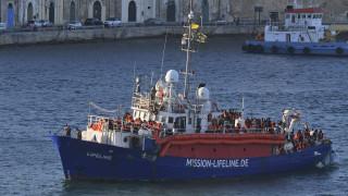 Άλλο ένα «μπλόκο» Σαλβίνι σε πλοίο γερμανικής ΜΚΟ - Σε «ομηρία» πάνω από 100 μετανάστες