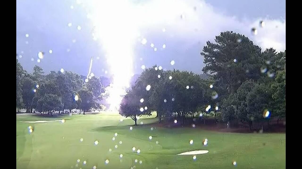 https://cdn.cnngreece.gr/media/news/2019/08/27/188767/photos/snapshot/Lightning-2.JPG