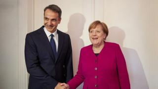 Συνάντηση Μητσοτάκη – Μέρκελ: Τα «όπλα» και οι στόχοι του πρωθυπουργού