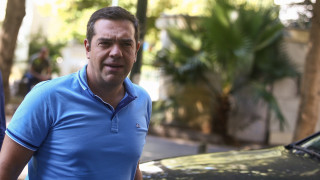 Τσίπρας: Όχι εκλογή προέδρου από τη βάση, πολιτική κάλυψη σε Σκουρλέτη