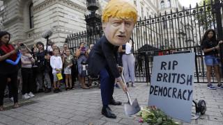 Βρετανία: Διαδικτυακό αίτημα κατά της απόφασης Τζόνσον συγκέντρωσε 450.000 υπογραφές
