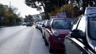 Διπλώματα οδήγησης: Ένταση και αποχωρήσεις στη συζήτηση του νομοσχεδίου στη Βουλή