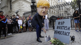 Βρετανία: Παραιτήσεις μετά την απόφαση Τζόνσον να κλείσει τη Βουλή