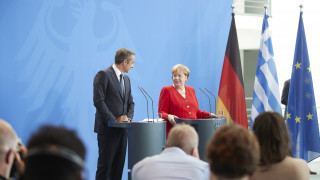 Τα γερμανικά και η... έκπληξη: Πώς κατάφερε ο Κ. Μητσοτάκης να αιφνιδιάσει την Άνγκελα Μέρκελ