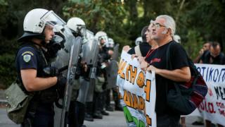 Ένταση με διαδηλωτές και αστυνομικούς στο Ζάππειο πριν την ορκωμοσία Πατούλη