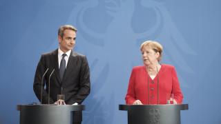 Κόντρα ΣΥΡΙΖΑ - κυβέρνησης με αφορμή την επίσκεψη Μητσοτάκη στο Βερολίνο